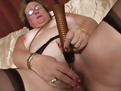Granny, Masturbation